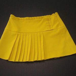 BCBG Maxazria mini yellow skirt US 0